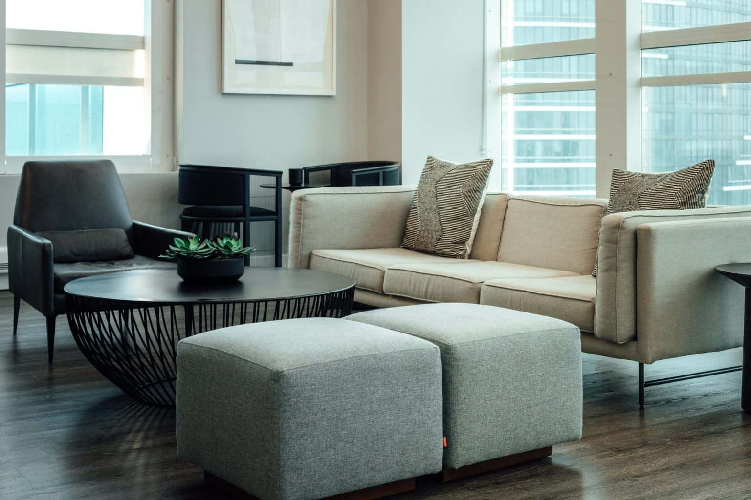 Living room furniture with a round table
