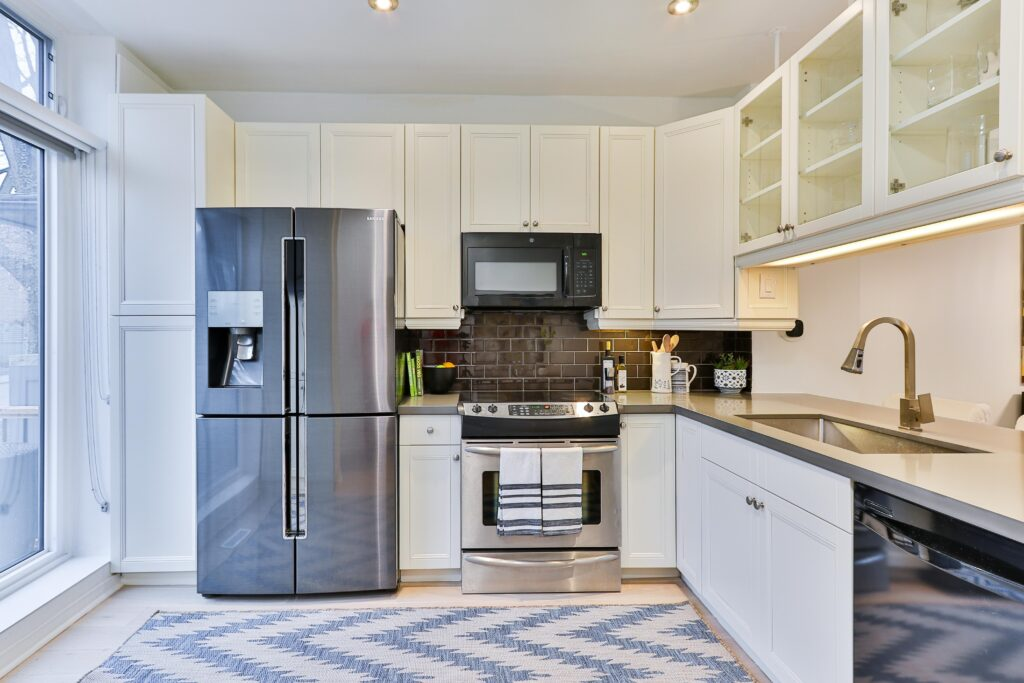 Refrigerator with white cabinets